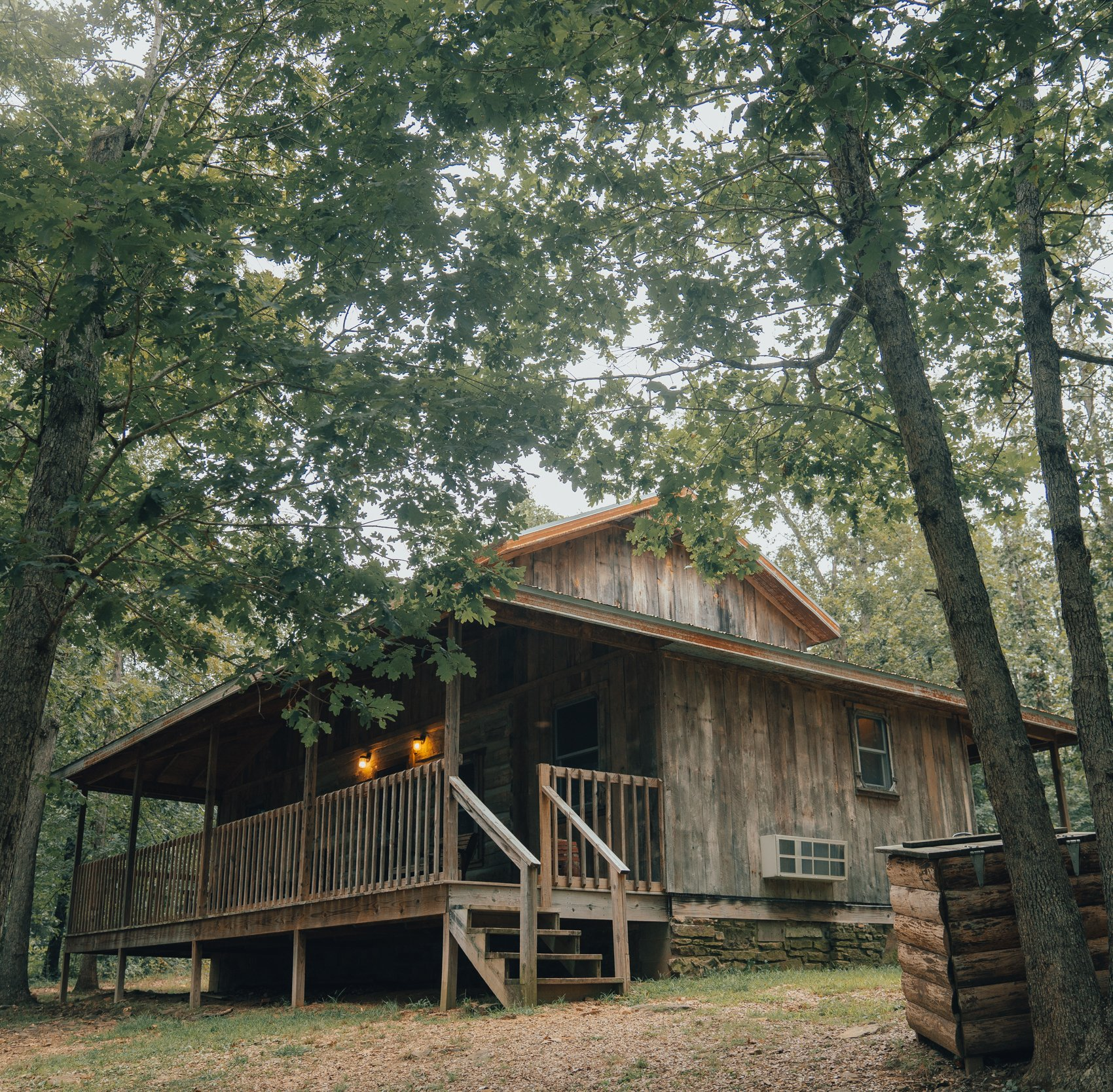 cabin lake beautiful cottages suites amp treehouse arkansas of lucerne cabins