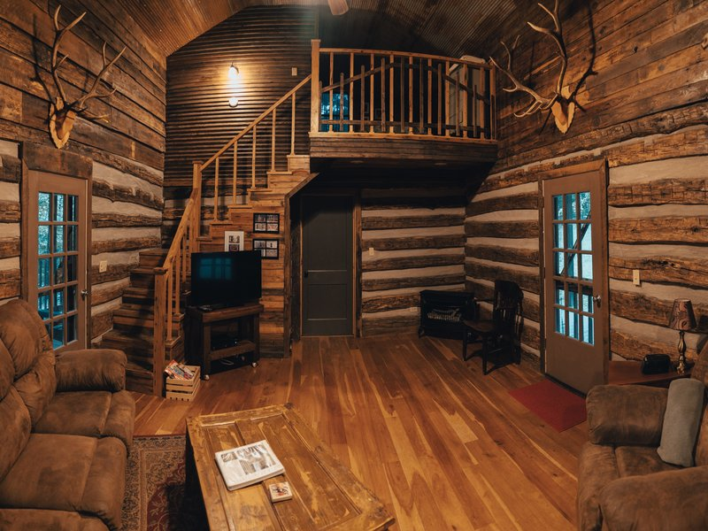 Wide view of Elkhorn Cabin's living area.