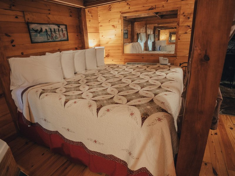 Another view of the King-size bed in Valley Dream Cabin