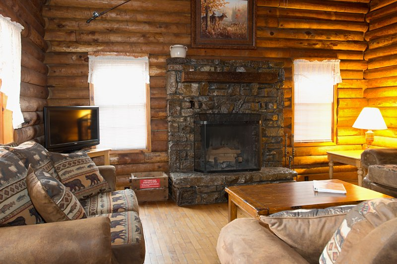 The spacious living area of the Mills Cabin