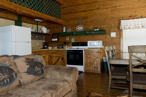 The kitchen in the Mountain Breeze cabin