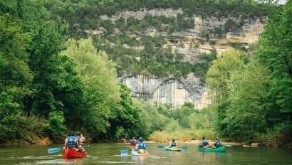 floaters on the Buffalo River below Big Bluff
