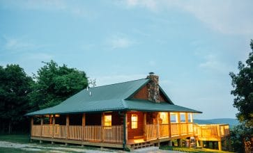 A beautiful view across the Ponca Wilderness awaits you in the Buffalo River Cabin.