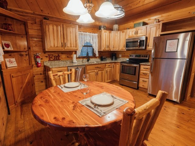 Enjoy a fully-appointed kitchen and plenty of romantic dinners in the Valley Secret Cabin.
