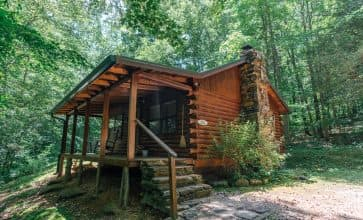 The Valley Dream Cabin in its tucked-away location in Ponca.