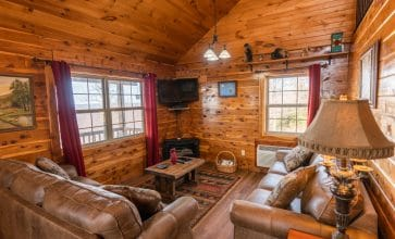Relax with your family or friends in beautiful comfort in the Waterfall Cabin.