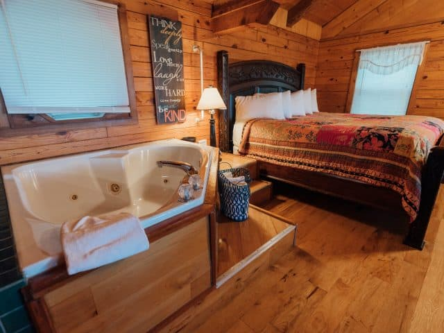 The perfect romantic escape awaits you in the Mountain Ecstasy Cabin with its bedside jacuzzi and woodburning fireplace.