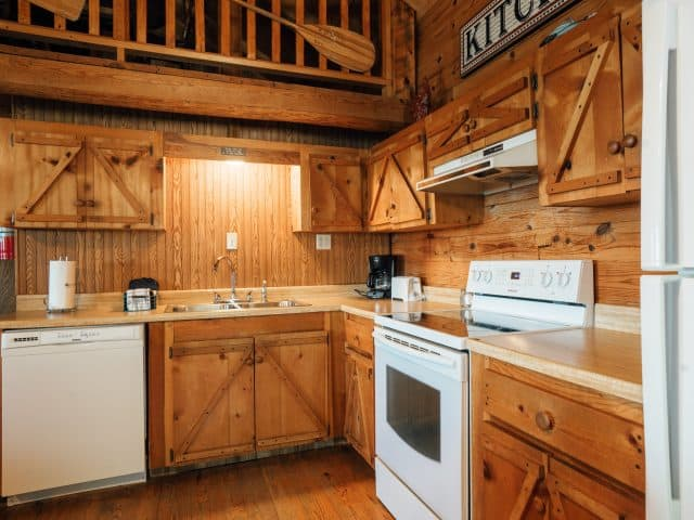 The Arkansas Cabin features a spacious, fully-appointed kitchen.