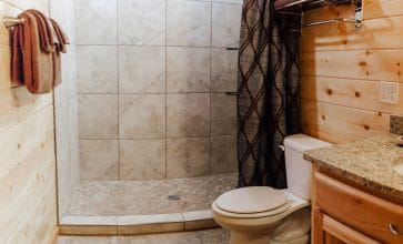Main floor showerbath of the Windridge Cabin.