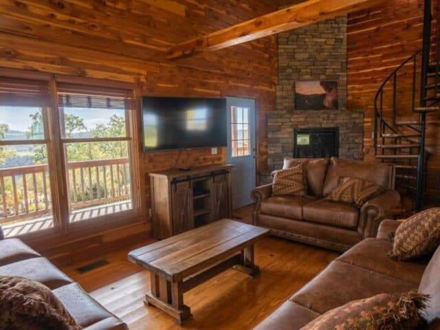 The beautiful living area of the Big Sky Cabin.