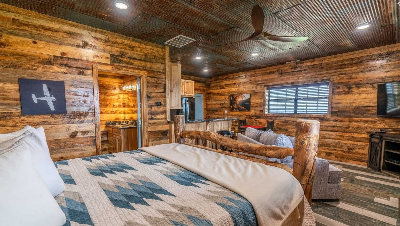 bedroom in the fly in lodge