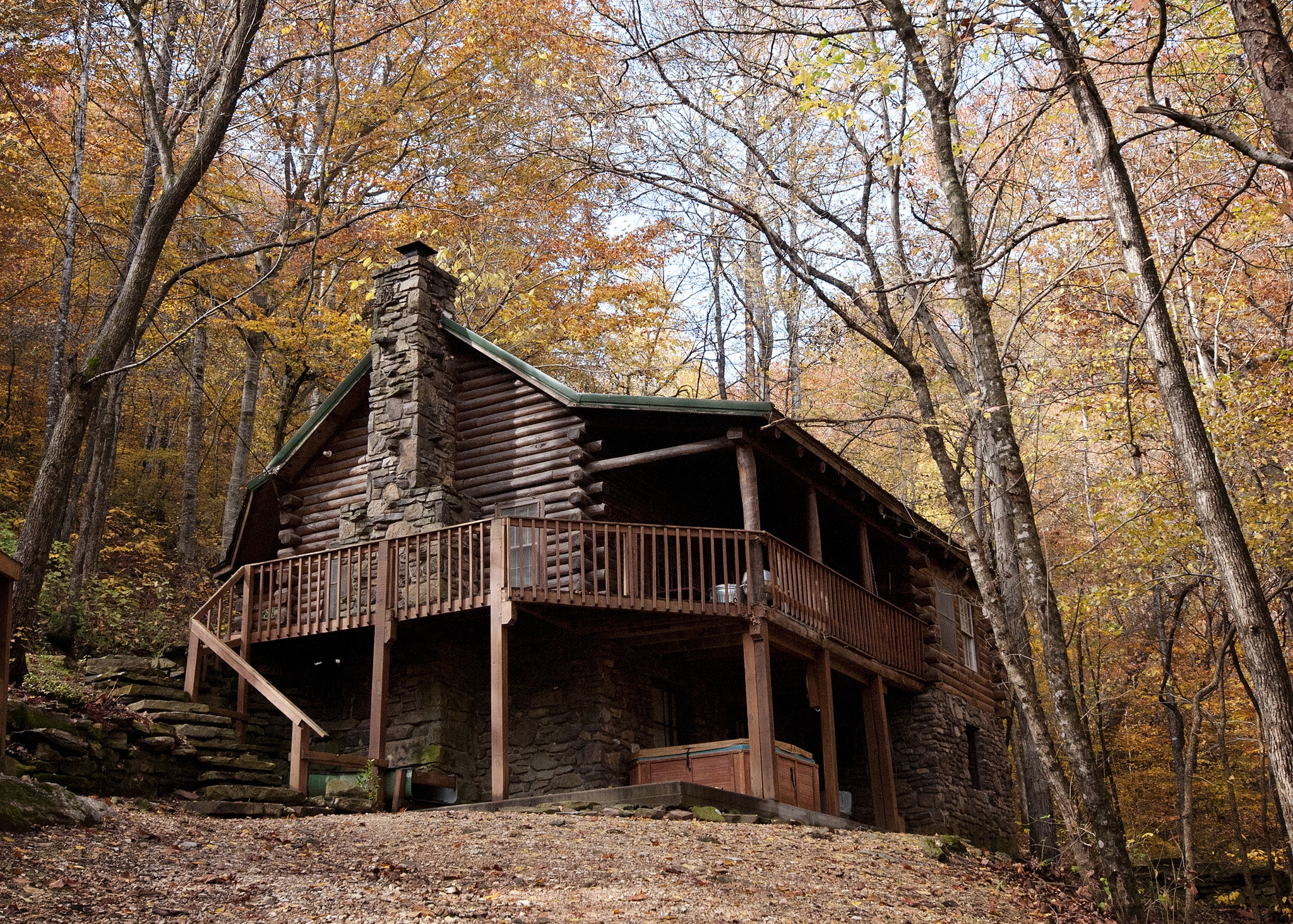 Private wooden cabin for rent in the Ozarks & Buffalo River Country
